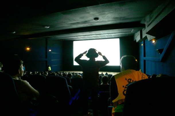 cinemadif-spectateur debout print.JPG